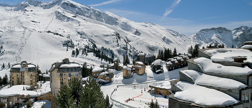 France_Portes-du-Soleil-Ski-Area_Avoriaz_Resort-view-sunshine.jpg